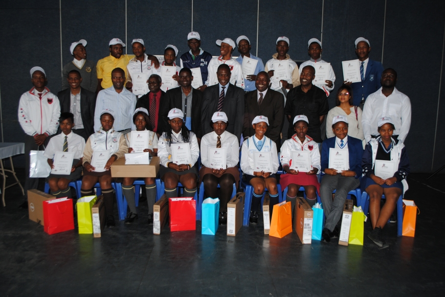 The Vincent Tshabalala Education Trust awarded 5 top performing Alexandra high schools and grade 12 learners.